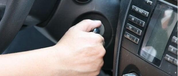 Sonido de puerta abierta auto