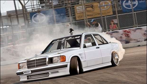 Mercedes 190E drift