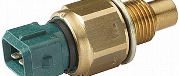 Sensor de temperatura del refrigerante del motor ubicacion