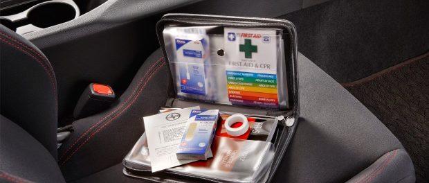elementos de un botiquin de primeros auxilios en una empresa colombia