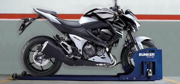 Los mejores sistemas antirrobo para la moto - Antirrobo moto garaje ...