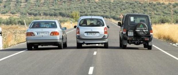 Resultado de imagen para carros carril adelanto